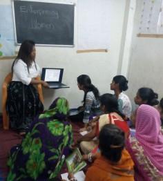 Programas de Empoderamiento de la Mujer en la India
