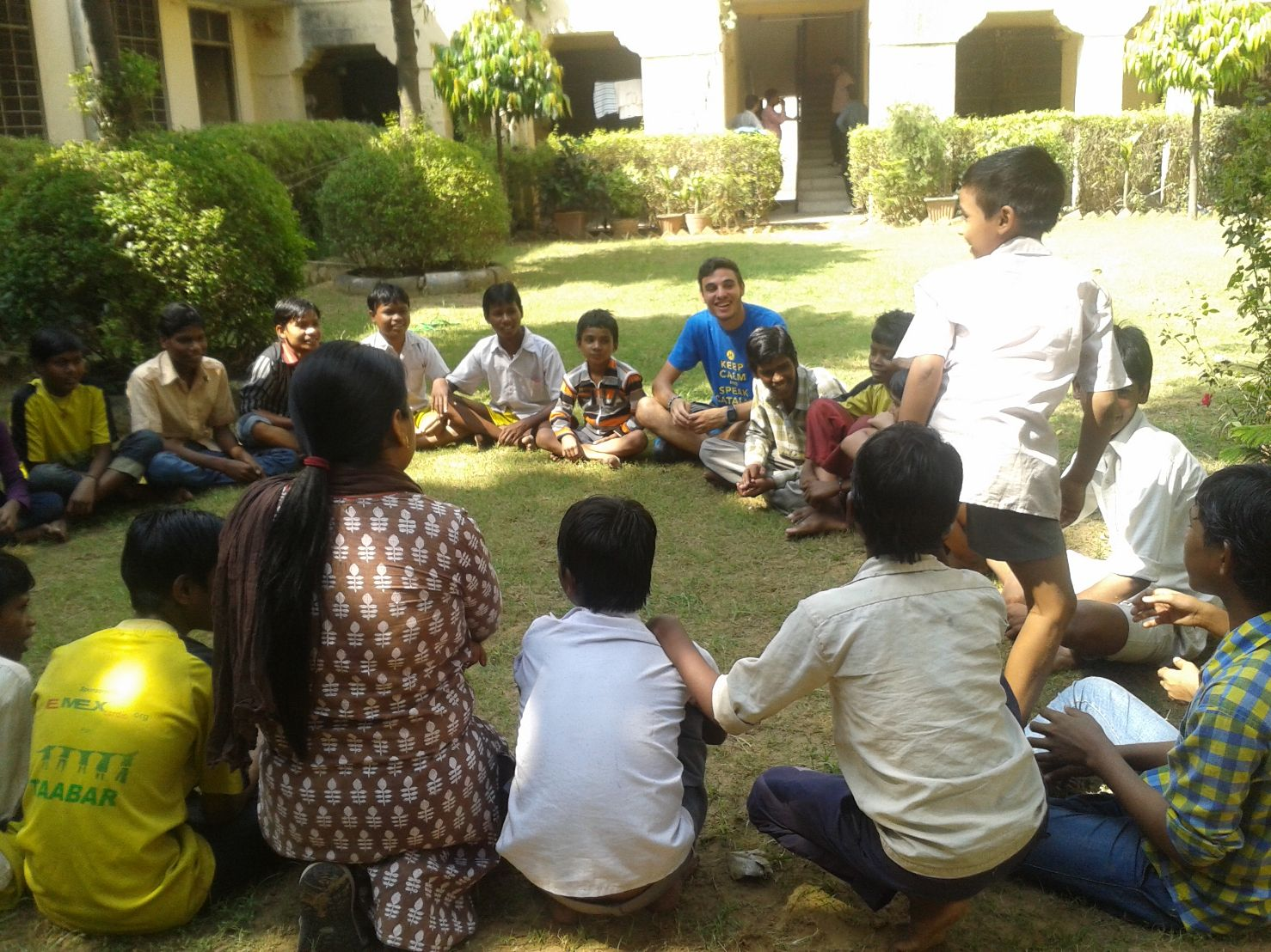 Featured program volunteer in orphanage india